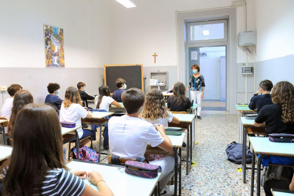 Distanziamento e mascherina ((Italia Oggi)