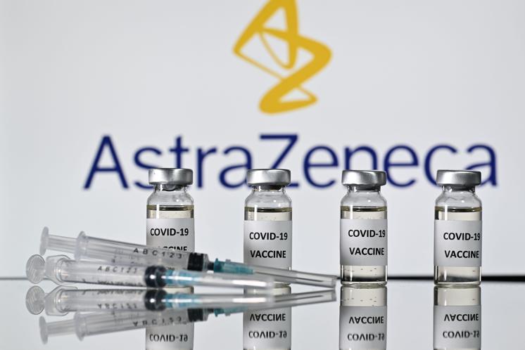 Questa immagine ha l'attributo alt vuoto; il nome del file è astrazeneca_vaccino_afp_20210415115937.jpg